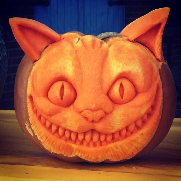 Cheshire Cat Pumpkin carved by Daniel Herrguth