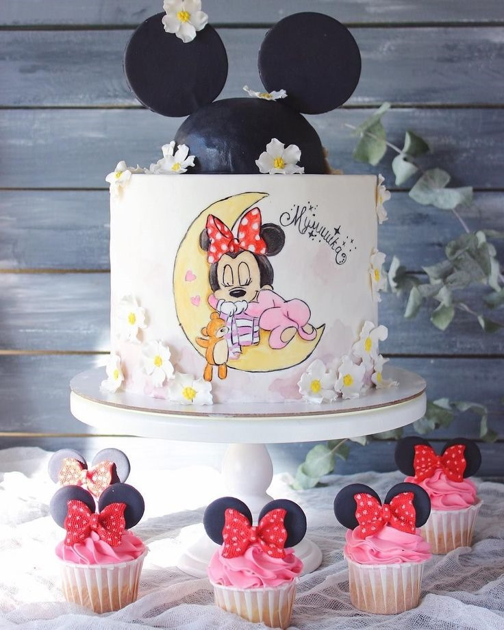 Baby Minnie Mouse Cake and Cupcakes