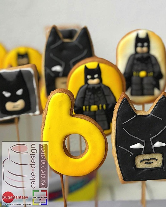 Batman Cookie pops