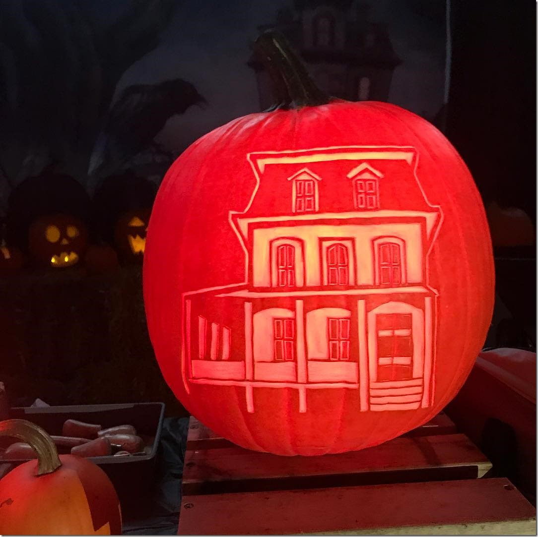 Addams Family House Pumpkin Carving
