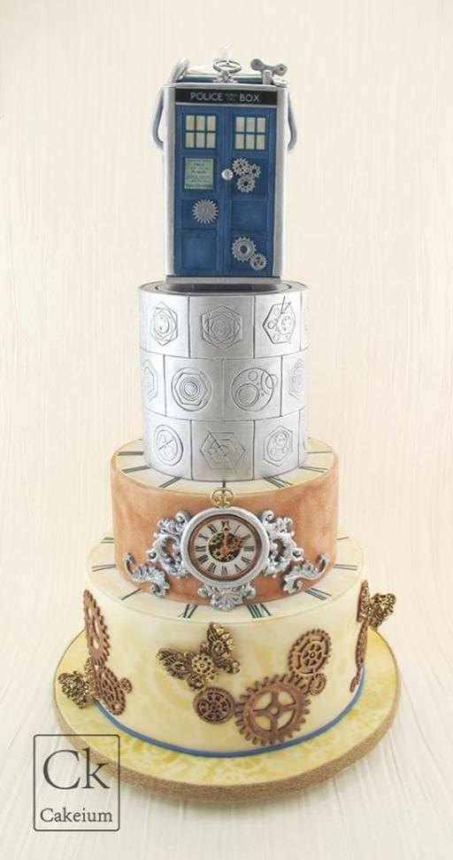 Steampunk Doctor Who Wedding Cake