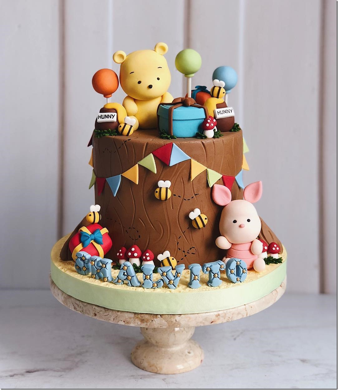 Winnie the Pooh and Piglet Birthday Cake