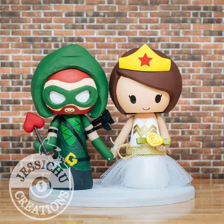 Green Arrow and Wonder Woman Wedding Cake Topper
