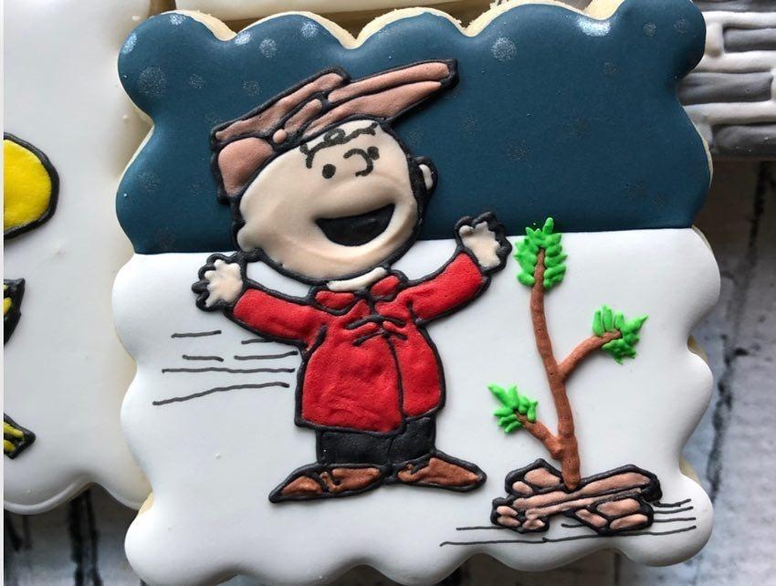 Charlie Brown & His Christmas Tree Cookie