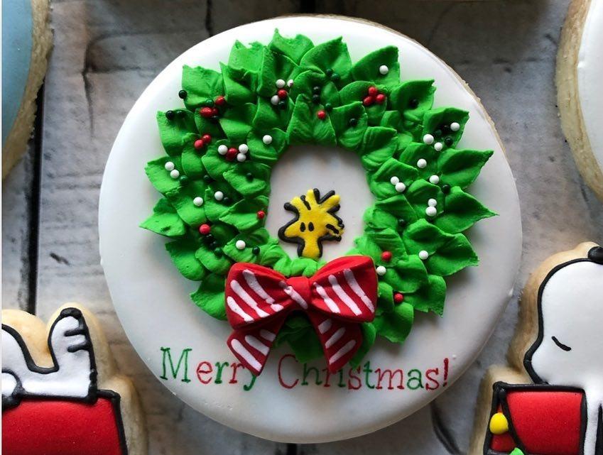 Woodstock Christmas Wreath Cookie