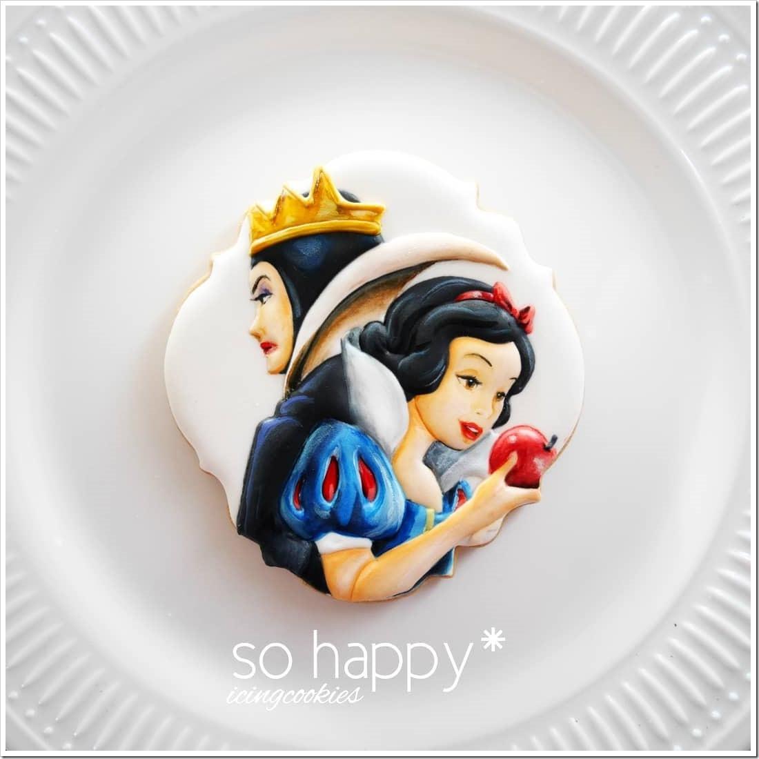 Wonderful Snow White / Snow Queen Cookie made by So Happy Icingcookies #Disney #SnowWhite #Cookie