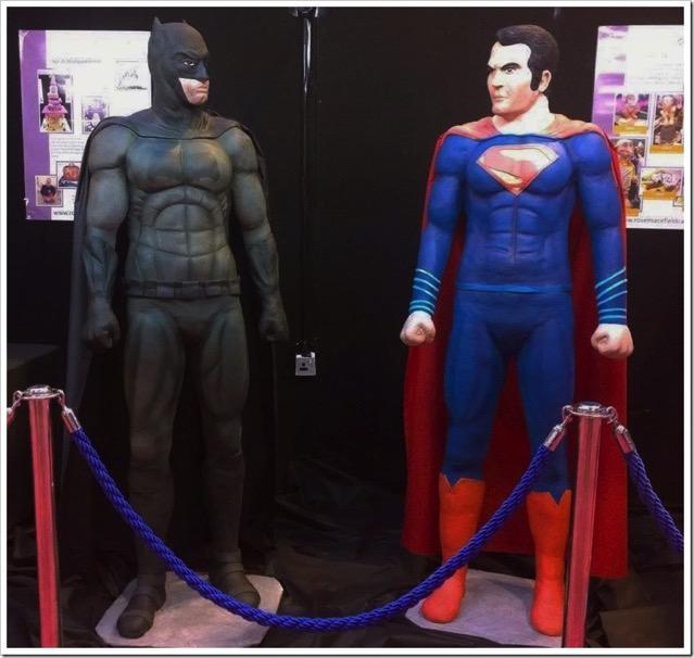 LIfesize Batman v Superman Cakes