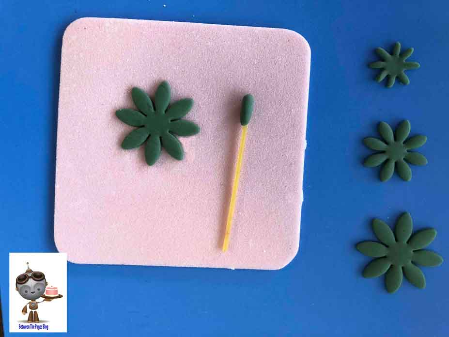 How to Make Succulent Cupcake Topper
