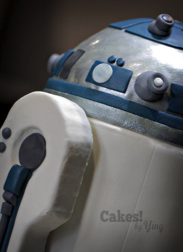 R2 D2 Cake