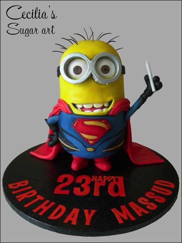 Superman / Minion Cake