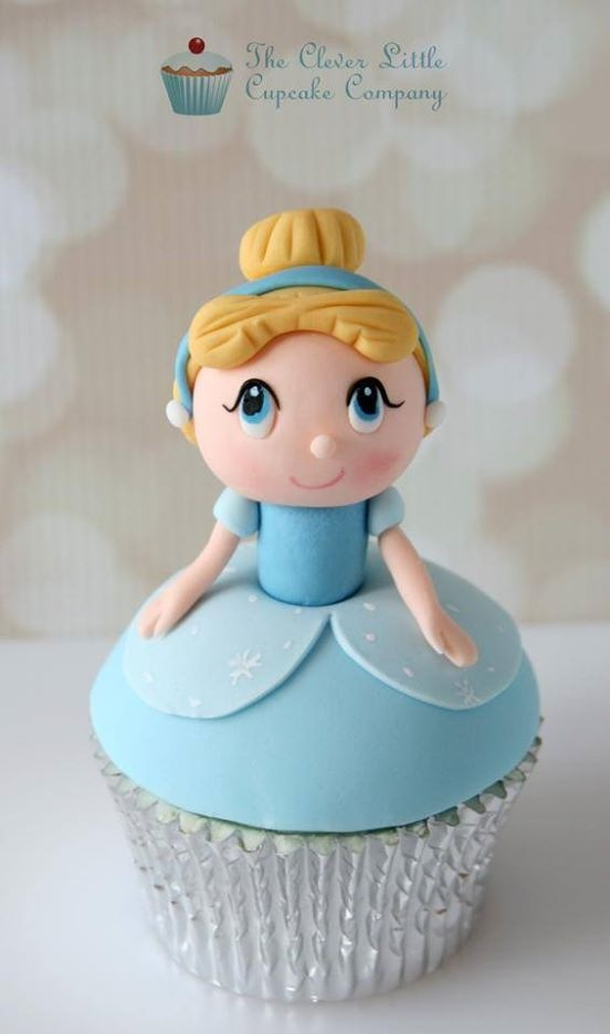 Kawaii Cinderella Cupcake