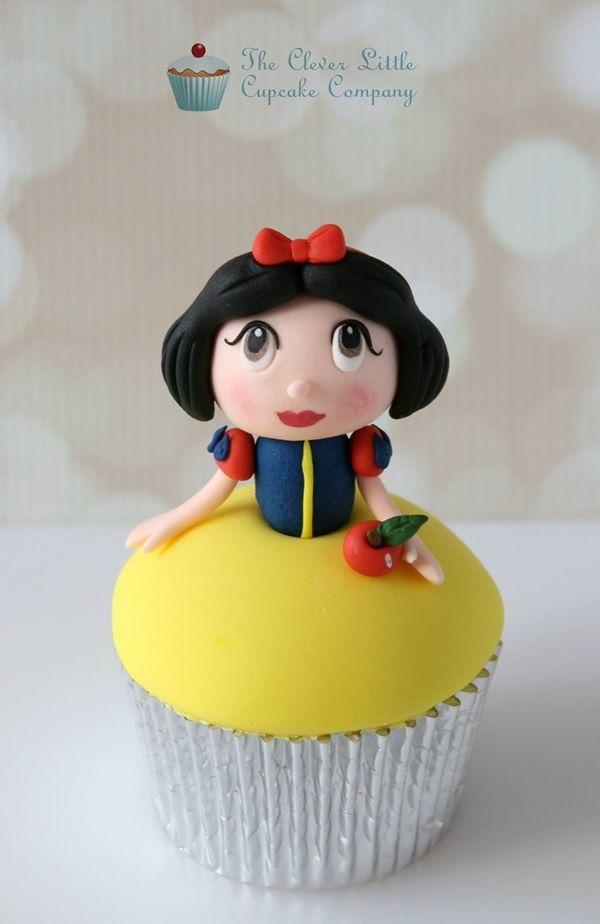 Kawaii Snow White Cupcake