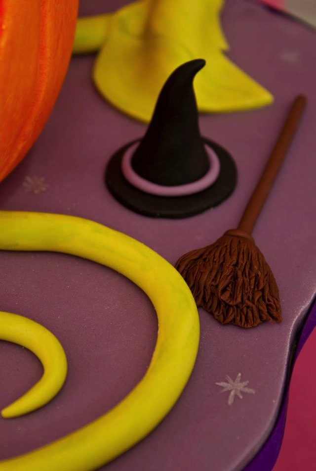 Witch's Hat & Broom