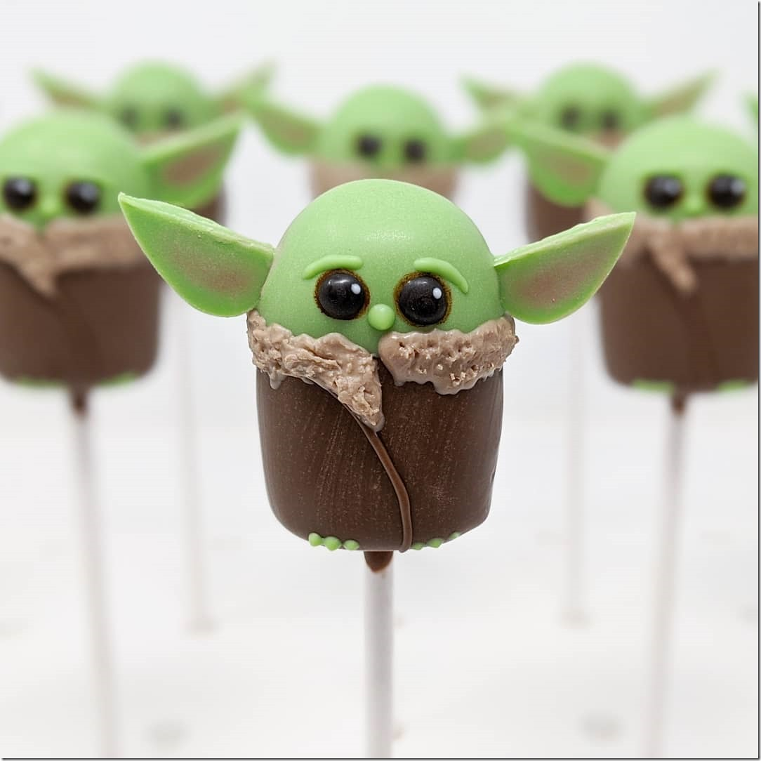 Baby Yoda Cake Pops