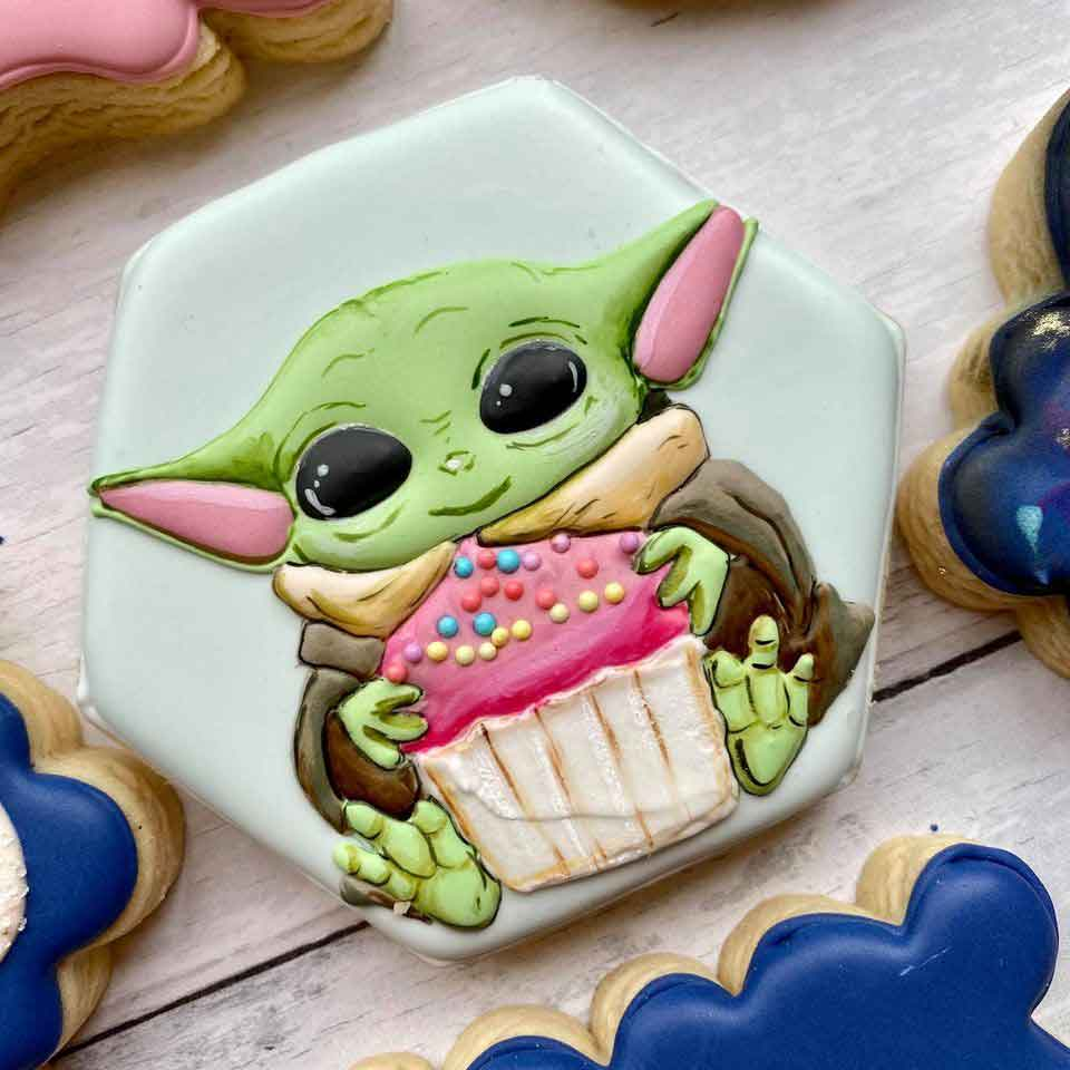 Baby-Yoda-with-cupcake-Cookie