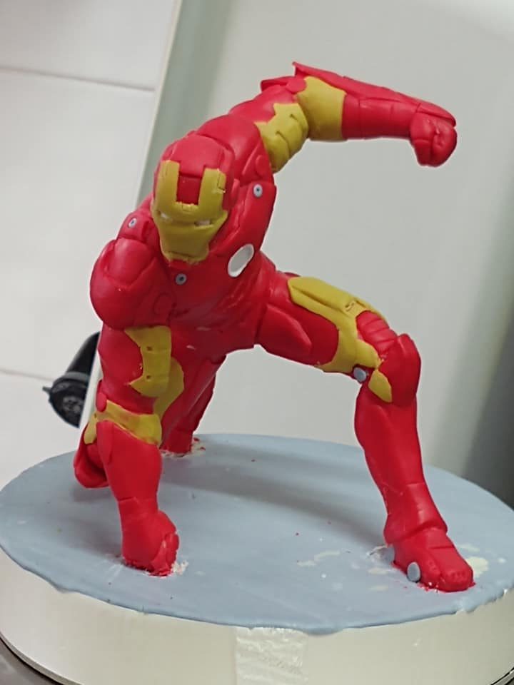 How To Make An Iron Man Cake Topper