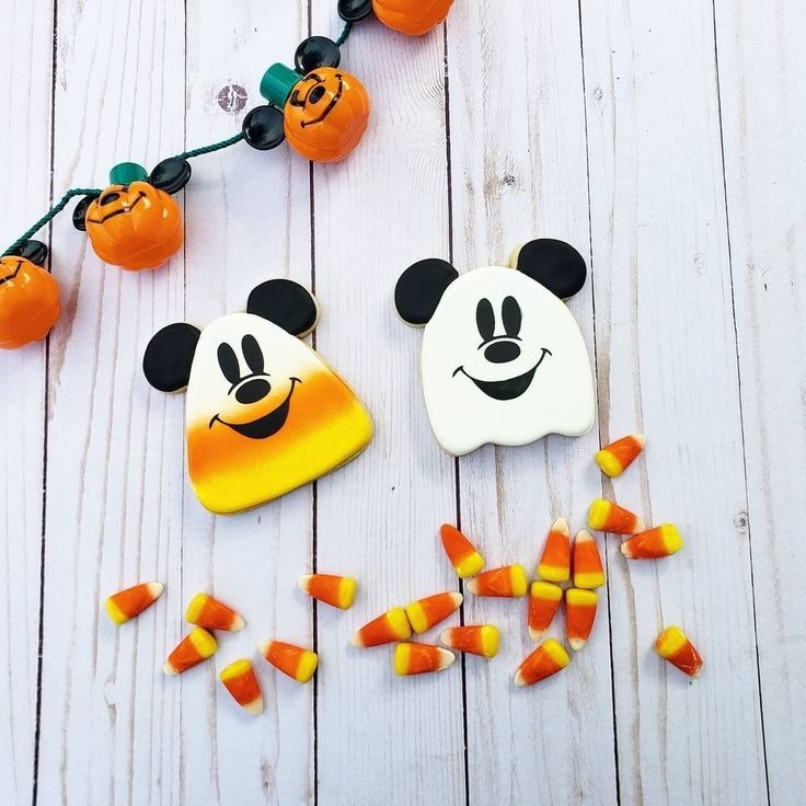 Mickey Mouse Ghost Cookies