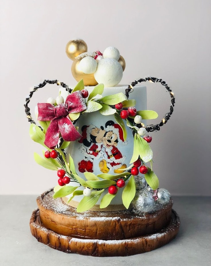 Mickey and Minnie Mouse Christmas Cake