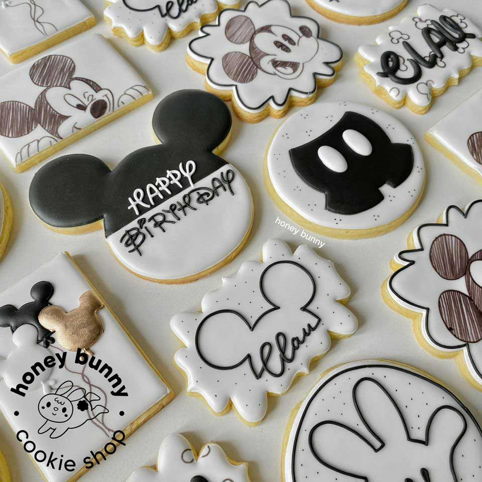 Black & White Mickey Mouse Cookies