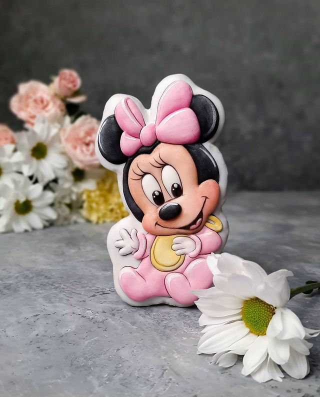 Baby Minnie Mouse cookie