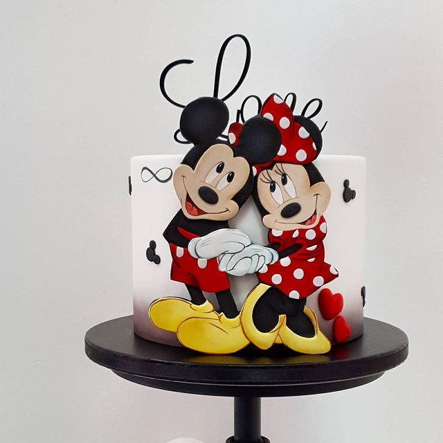 Mickey and MInnie Mouse Valentine's Day Cake