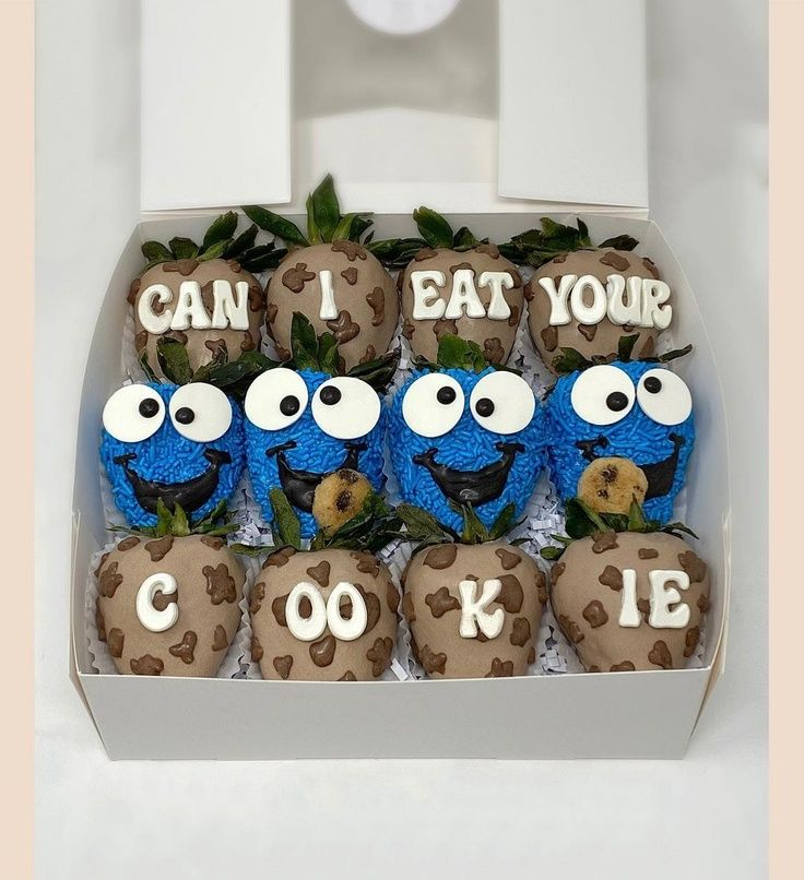 Cookie Monster Themed Chocolate Strawberries
